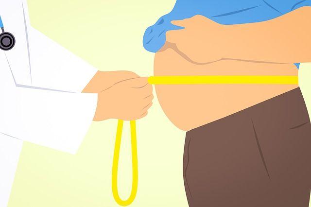 中性脂肪たっぷりの男性のおなか